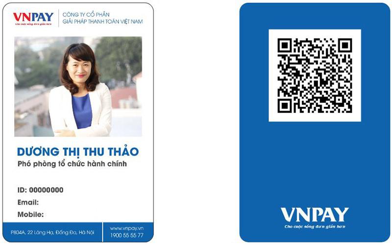 Thẻ nhân viên có mã QR code